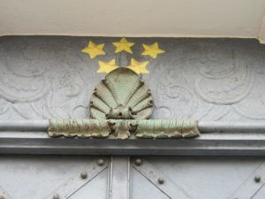 Rozmital church metallic scallop shell