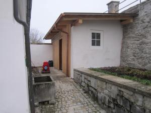 Moosbach church porch