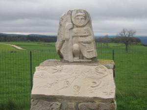 Pilgrim-sculpture-Les-Setoux