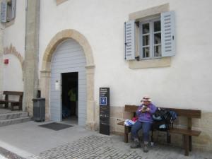 Roncesvalles-Albergue-entrance