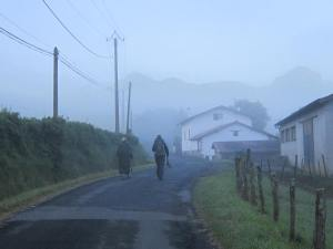 Walking-out-of-Saint-Jean-Pied-de-Port