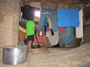 Drying-clothes-Granon