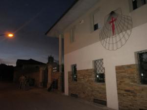 Entrance-to-albergue