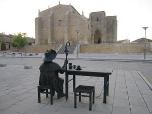 Pilgrim-breakfast-at-Villalcazar-de-Sirga