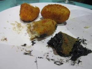 Squid-ink-and-cheese-Pincho