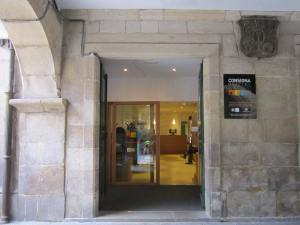 Print out your boarding pass at the Consigna Oficial del Peregrino in Santiago de Compostela