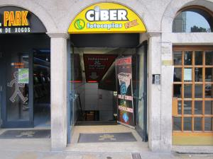 Printing out your boarding pass at Ciber internet cafe in Santiago de Compostela