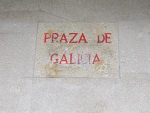 Catching the Santiago de Compostela airport bus from Praza de Galicia