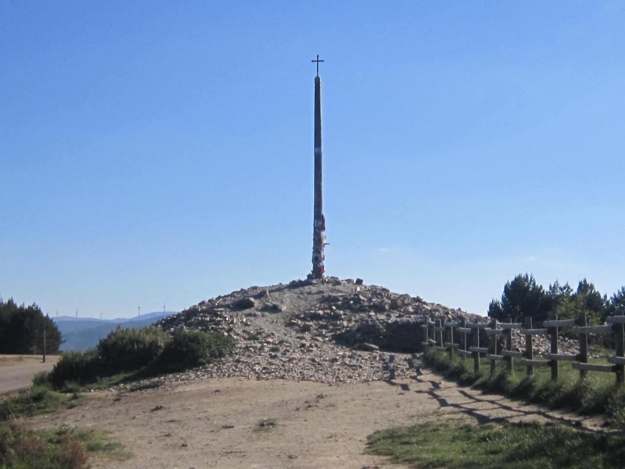Cruz de Ferro on the Camino Frances/FrenchWay